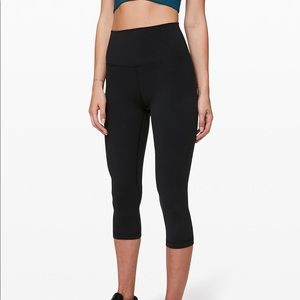 Lululemon cropped black leggings